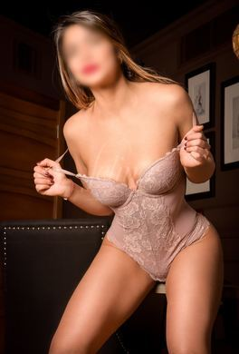 Escort for oral sex with deep throating in Barcelona