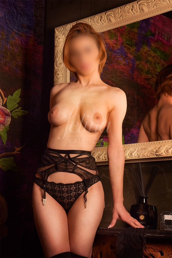 Bea: Luxury Moldovan escort in Valencia for group sex, in black lingerie