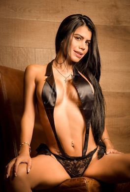 Stunning Latina escort for orgies