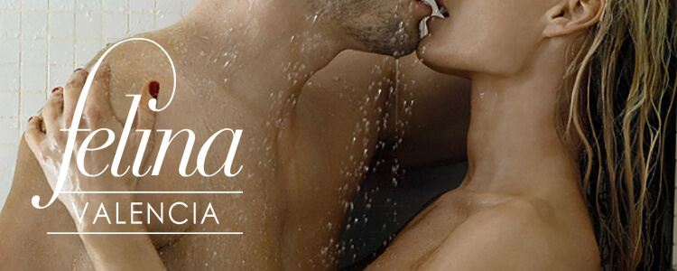 Erotic shower at Felina Valencia
