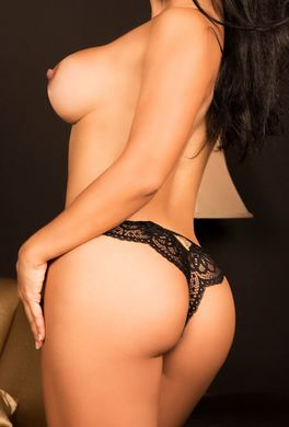 Escorte Colombienne Escort a Hotel